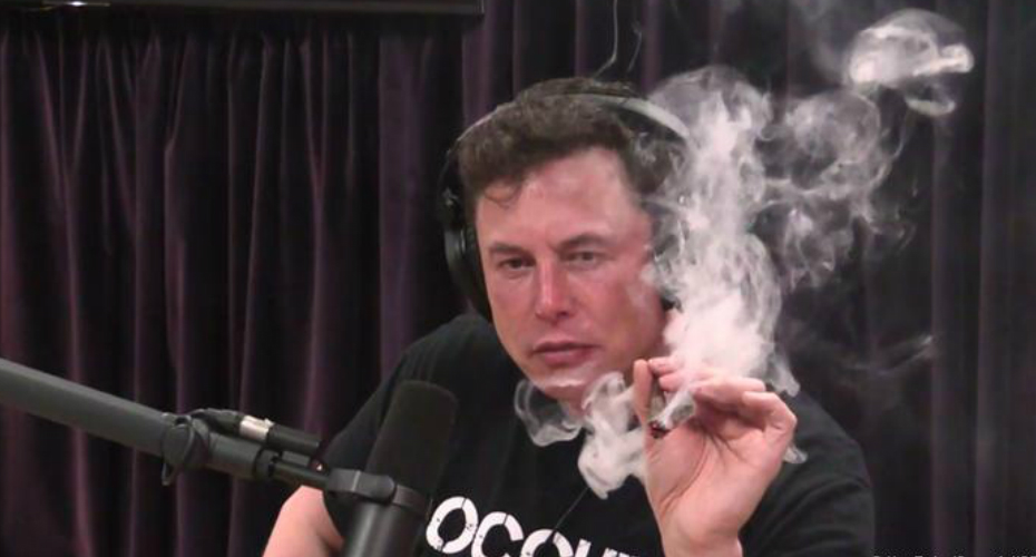 Elon Musk Smokes Weed On Live Podcast 7