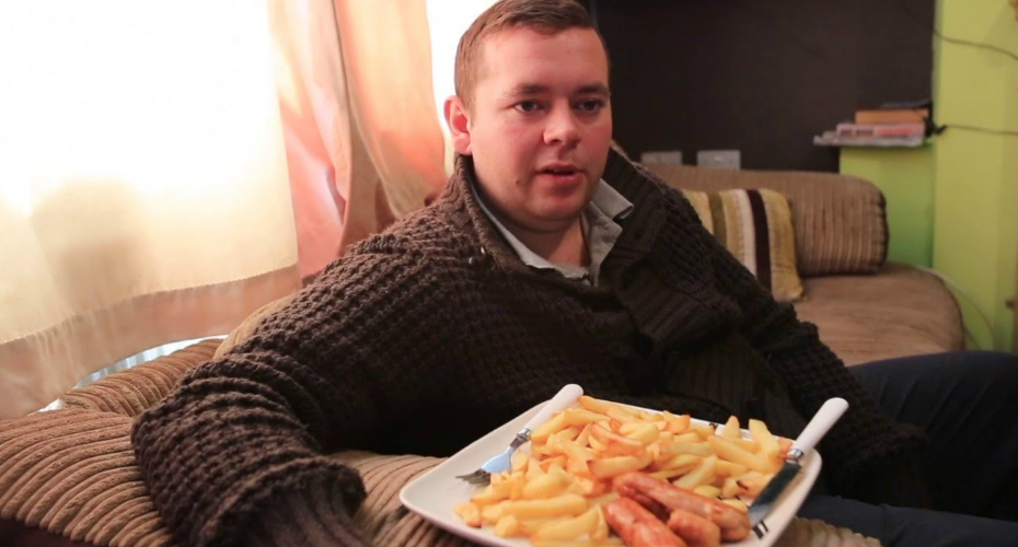Man Has Been Eating Sausages And Potato Chips Every Day For The Last 22 Years 8