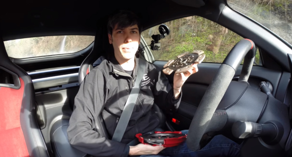 Five Things To Avoid Doing When Driving a Vehicle With a Manual Gearbox 4
