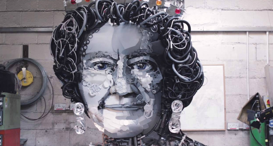 Mechanics Create An Impressive Portrait Of Queen Made From 900 Car Parts 1