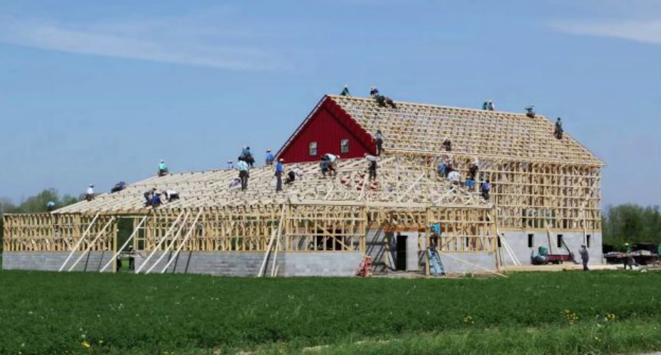 Watch The Amish Build An Entire Barn In Less Than 10 Hours 6