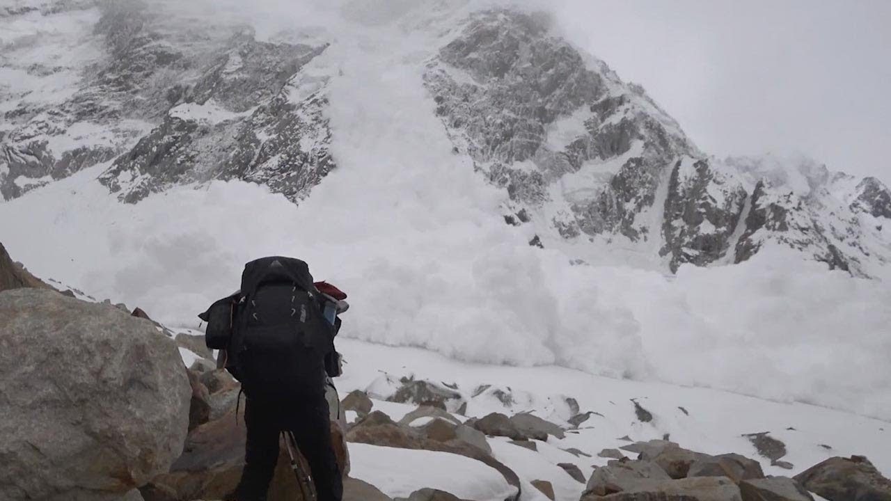 Filmmakers Caught Themselves In Sudden Terrifying Avalanche 6