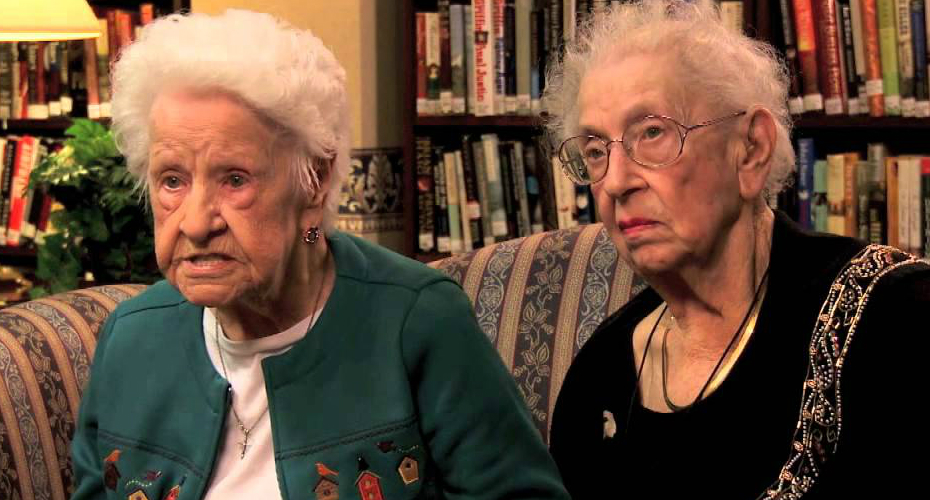 These 100 Year Old BFF's Discussing Selfies, Bieber And iPhones, Are Hilarious! 6