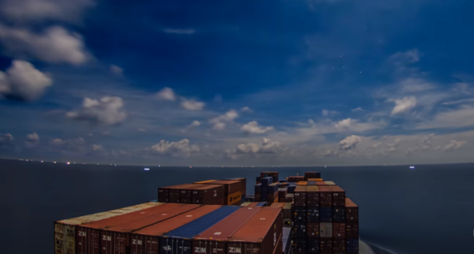 See the World From a Container Ship in This Surprisingly Lovely Video 4