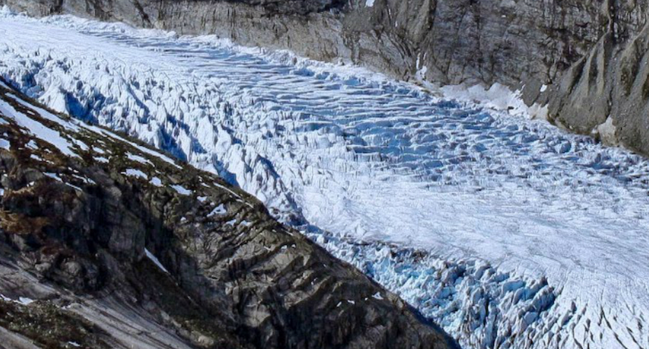 Watch A Timelapse Of A Powerful Glacier Flowing Downhill Like A River Through A Frozen Valley 2