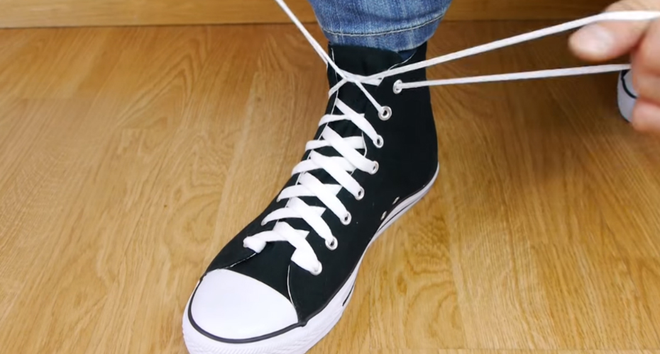 Did You Know About This Simple Way How To Tie Your Shoes? 9