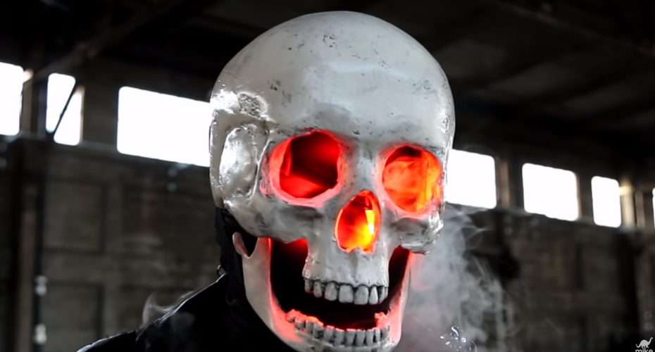 An Amazing 3D Printed Ghost Rider Mask Complete With Blinking LED Eyes And Working Smoke Effects 2