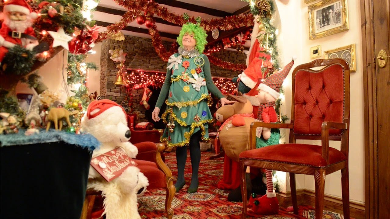 Gran Spends £30k Transforming Home Into Christmas Grotto 1
