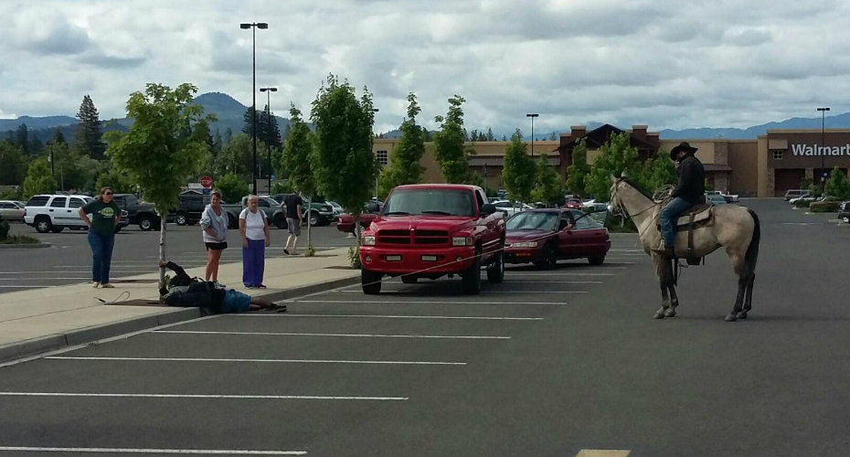 A Cowboy Jumps on His Horse and Lassos Suspected Bike Thief in a Walmart Parking Lot 1
