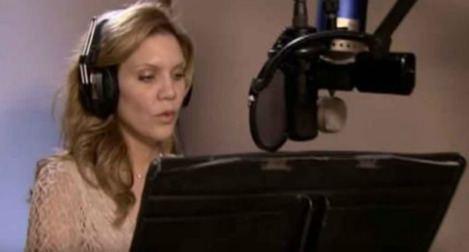 Allison Krauss And Yo-Yo Ma Perform One Of The Oldest Christmas Carols 6