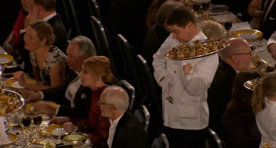 Waiter Has Hilarious Reaction As He Drops Food On Academic At Nobel Banquet 2