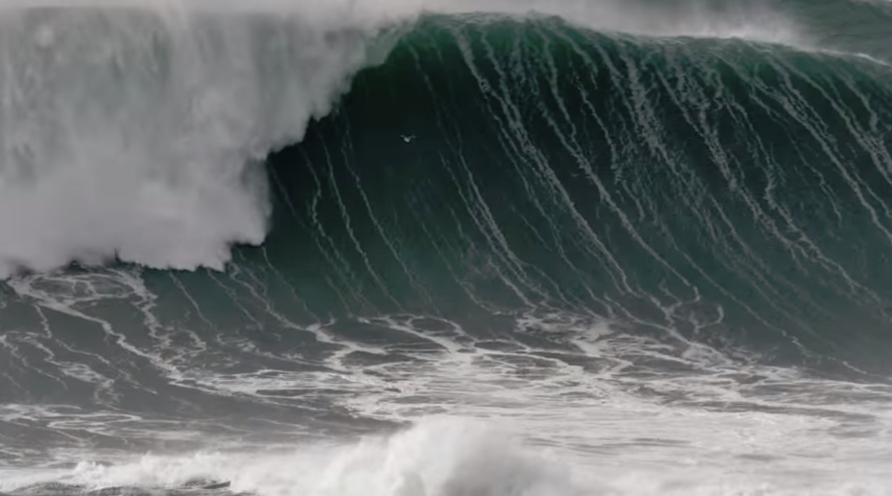 Watch This Terrifying Footage Of A Near-Death Wipeout At Nazaré 7