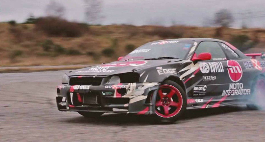 Unbelievable Race Car Driver Can Drift With No Arms 6