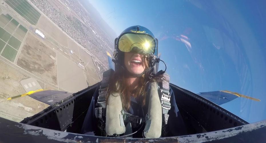 Journalist Vs 7.5G In a Plane 6