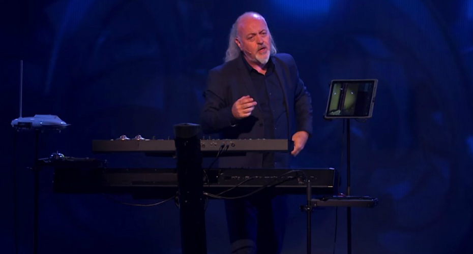 Bill Bailey Demonstrates Major And Minor Keys With Star Spangled Banner 5