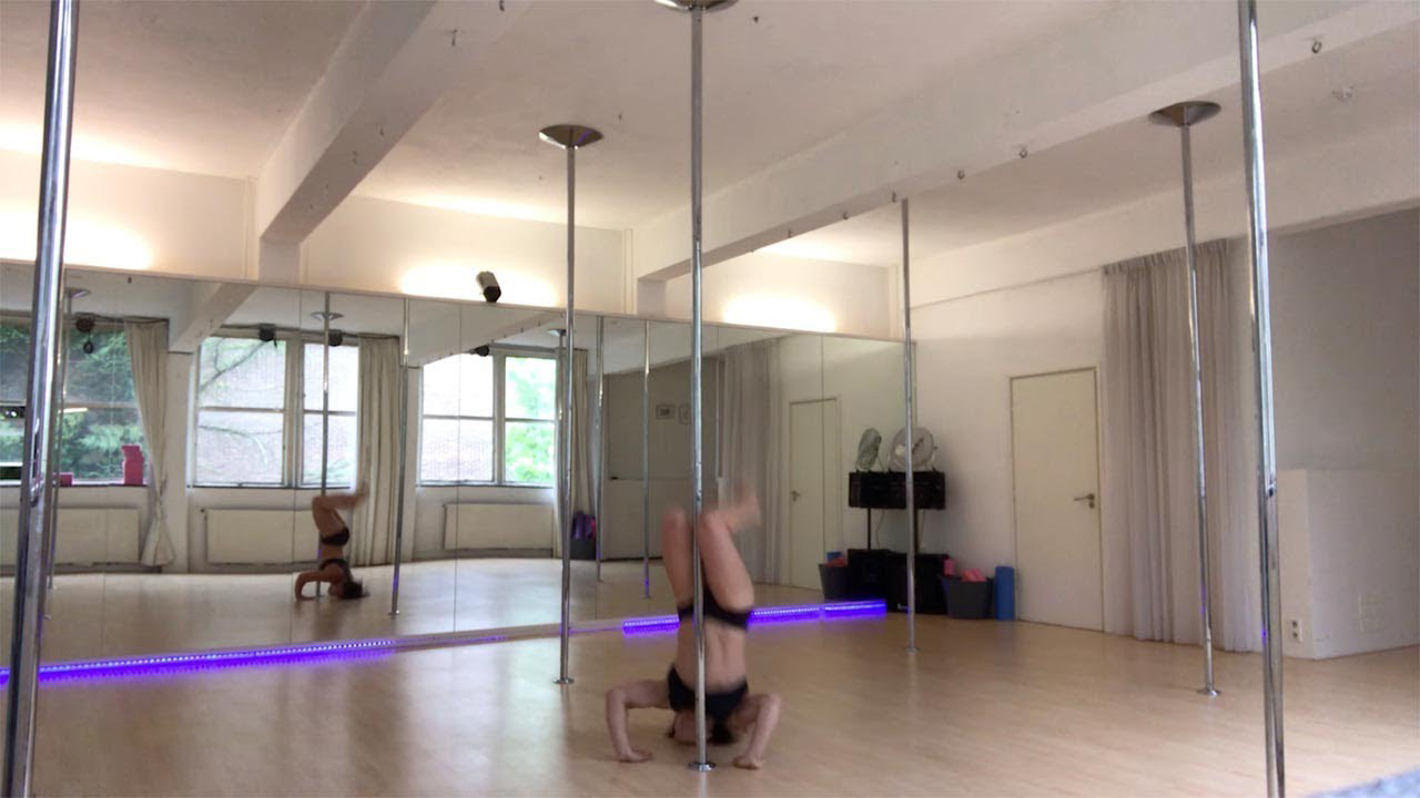 Pole Dancer Gets Concussion After Falling On Head 4