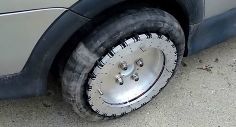 A Canadian Inventor Has Designed A Set Of Wheels That Lets Cars Move In Any Direction 3